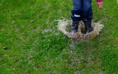 Lad dit barn lege udenfor i alt slags vejr med Celavi regntøj