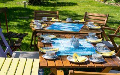 Skab hygge i haven med udendørs møbler